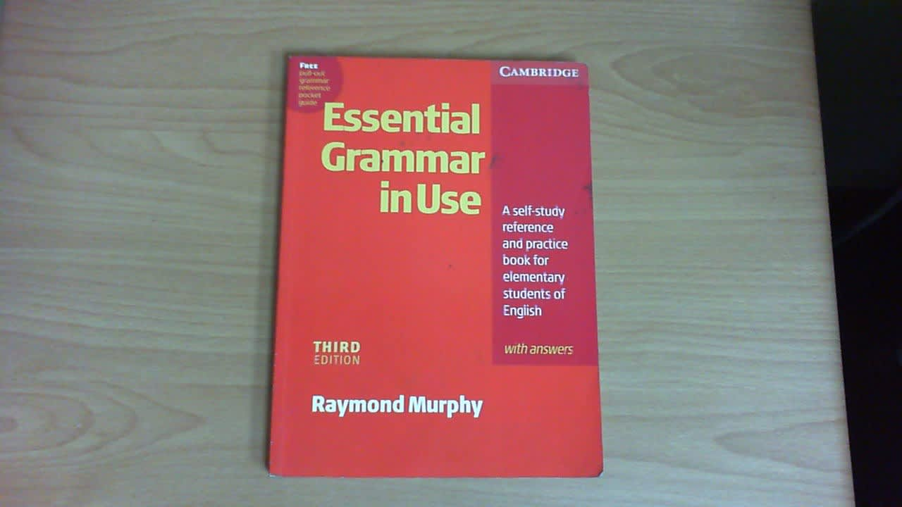 Essential Grammar in Use with Answers: A Self-Study Reference and Practice  Book for Elementary Students of English (3rd Edition)
